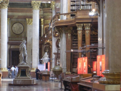 Nationalbibliothek Prunksaal_01.jpg
